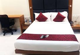 hotel address inn mumbai deluxe double room 1 double bed private bathroom
