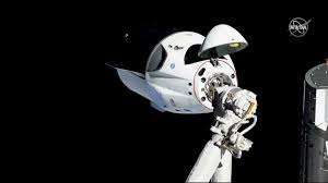 Spacex Dragon Capsule Successfully Docks On Iss World News