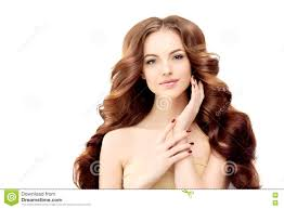 Model Met Lang Golvend Haar Het Kapsel Van Golvenkrullen