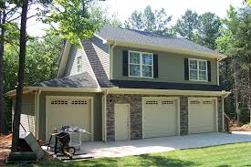 3 car garage with full apartment