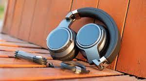 8 chiếc tai nghe chống ồn phân khúc cao cấp được đánh giá tốt nhất hiện nay.
