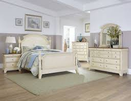 Decorating Ideas and Refinishing Tips with White Country Bedroom ...