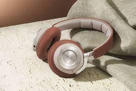 Loạt tai nghe chống ồn với kết nối không dây đáng chú ý