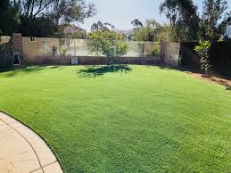 Artificial turf backyard Residential Landscape Design Pool Surround Artificial Grass Accents Putting Green Turf Artificial Grass Backyard Landscaping Network Artificial Grass For Lawns Dogs Golf Progreen Synthetic Grass