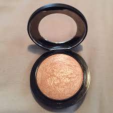 how to use highlighter mac cosmetics makeup mac soft gentle highlighter