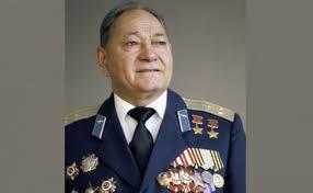 Дважды Герой Советского Союза Талгат Бегельдинов скончался на м  Талгат Бегельдинов совершил 305 боевых вылетов