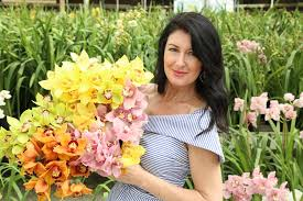next up celebrity florist and party planner debi lilly will bring her amazing design skills to the american grown field to vase dinner at the flower fields