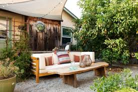how to divide your outdoor living space