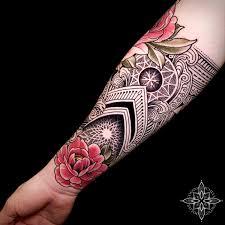 Coen Mitchell Tattoo Gold Tattoo Gallery Mosaic Flow