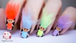 PiggieLuv: 3D troll dolls nail art