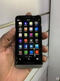 BlackBerry Z30 16 GB Black in Kampala ...