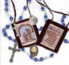 Resultado de imagen para El escapulario y el rosario son inseparables