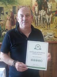 molt contens amb el diploma picture of restaurant braseria  restaurant braseria berlin molt contens amb el diploma