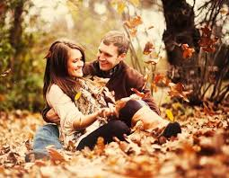 52 romantic fall engagement photo ideas happywedd com