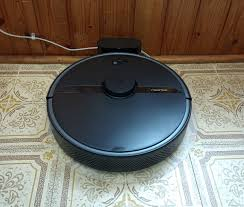 Review of the <b>Roborock S6 Pure Robotic</b> Vacuum Cleaner ...