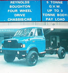 fordson trader 4x4 truck the thames fv13300 series was designed by the ford motor pany to meet a general staff requirement for a 4 wheel drive 3 ton