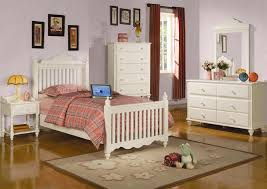 Pepper Youth 4 Piece Post Bed Bedroom Set in Eggshell White Finish by  Coaster - 400361