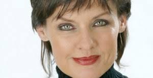 Anna-Lena Brundin är sångerska, föreläsare, författare, moderator, konferencier och stå-upp komiker som blandar djupaste allvar med grundaste trams. - anna-lena-brundin-300x154