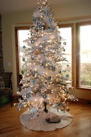 ... Gorgeous Ideas For Your Interior Christmas Decorating Themes : Fabulous  Ideas In Decorating Christmas Tree With ...