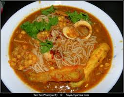 burma food photos of the most popular myanmar food and one the traditional burmese dish mohinga thin rice noodles fish gravy crispy fried chic peas and coriander every burmese loves this
