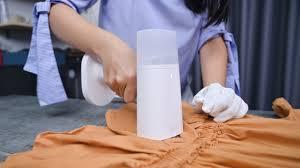 Trên tay bàn ủi hơi nước Xiaomi Mijia