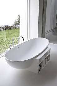 Freestanding oval Korakril bathtub EGG by Rexa Design