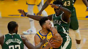 Warriors 122, Bucks 121: Lead slips away in fourth quarter