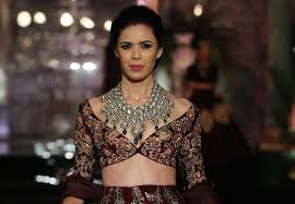 Manish Malhotra Designer Blouse Collection 7 Things We Loved For Brides From Manish Malhotras Show