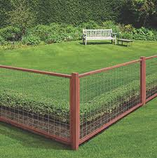 fence construction. fence installation construction