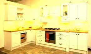 crown molding on cabinets kitchen cabinet trim ideas kitchen cabinet crown molding molding on kitchen cabinets