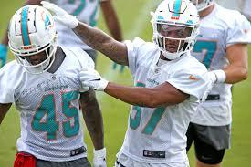 Miami Dolphins' Myles Gaskin outplaying '19 draft classmates | Miami Herald