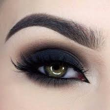 obsessed with this dark dramatic smokey eye by to get the look she used our semi sweet chocolate bar palette in shades licorice truffled puddin and our