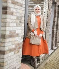 Model baju batik kombinasi untuk pria, wanita, dan couple. 10 Koleksi Favorit Baju Muslim Wanita Gemuk Plus Tips Cara Memilih Yang Paling Pas Untukmu