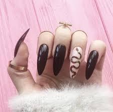 Si quieres uñas acrilicas mate puedes ver el siguiente diseño! Unas Con Diseno De Vibora Unas Acrilicas