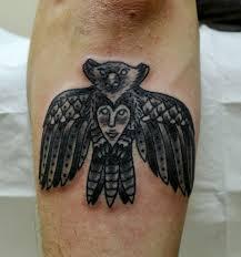 татуировки для мужчин на руке черно белые