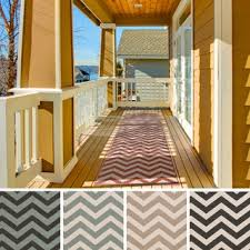 Meticulously Woven Ariana Chevron Indoor/Outdoor Area Rug (2'<b>3 x</b> ...