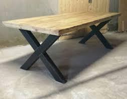 diner table industriële tafel kruispoot gemaakt van hout en staal
