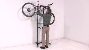 Review of the Thule Universal 2 Bike Stacker Bike Storage Review -  etrailer.com - YouTube