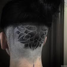 узор в точку тату на голове у парня добавлено иван вишневский