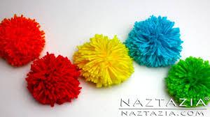 DIY Learn How to Make Pom Poms from Yarn - Clover Pompom Maker Fork Hair  Pick Pompoms - YouTube