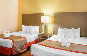Bedroom Cheap Hotels Near Disneyland Orlando Family Hotels In 2 3 Bedroom Resorts Orlando