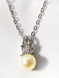 no reserve cream pearl simulated diamond pendant necklace