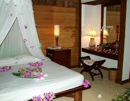 Simple Decorating For Bedrooms Simple Rustic Wedding Room Decorations Bedroom With Flowers