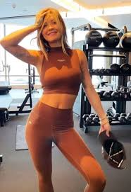 As ora covers her chest in the. Rita Ora Wows With Toned Pic From The Gym Eat This Not That