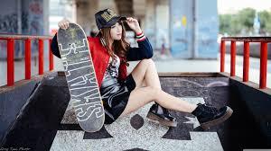 Girl Skateboarder Style Ultra HD ...