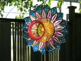 garden yard art ideas best yard art dishes glass pans images on garden totems glass garden art and glass plate flowers diy yard art and garden ideas
