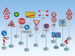 Risultati immagini per pali segnaletica stradale