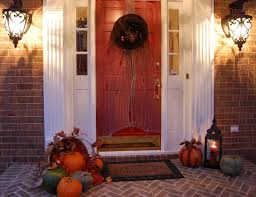 Decorations:Hallowen Theme For Front Door With Red Color And Round Wreath  Ideas Hallowen Theme