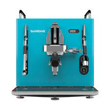 While maintaining the same attractive design, cube_r differs from the basic version in the presence of a positive displacement pump that also allows direct connection to the water mains. Sanremo Ventures Outside The Box With Launch Of The Cubedaily Coffee News By Roast Magazine