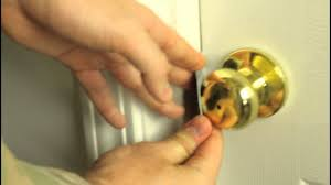 Lovely How To Unlock A Door With A Credit Card!?   YouTube